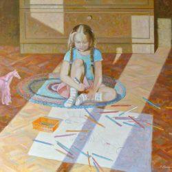 Маленькая девочка рисует. Цветные карандаши. Детское творчество. Рисует на полу