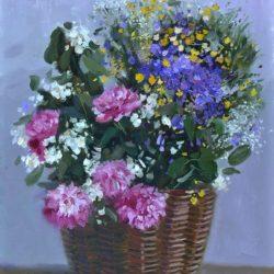 Пышный букет в плетеной корзине. Букет полевых цветов
